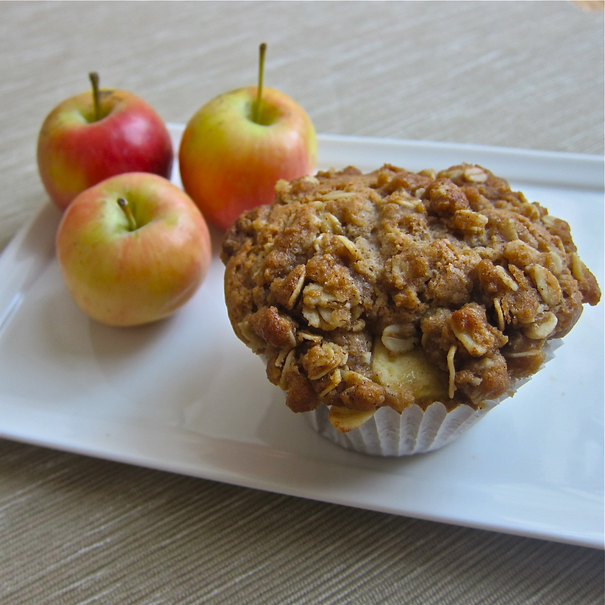 Muffin Mondays | Apple Pie Muffins | Let Me Eat Cake